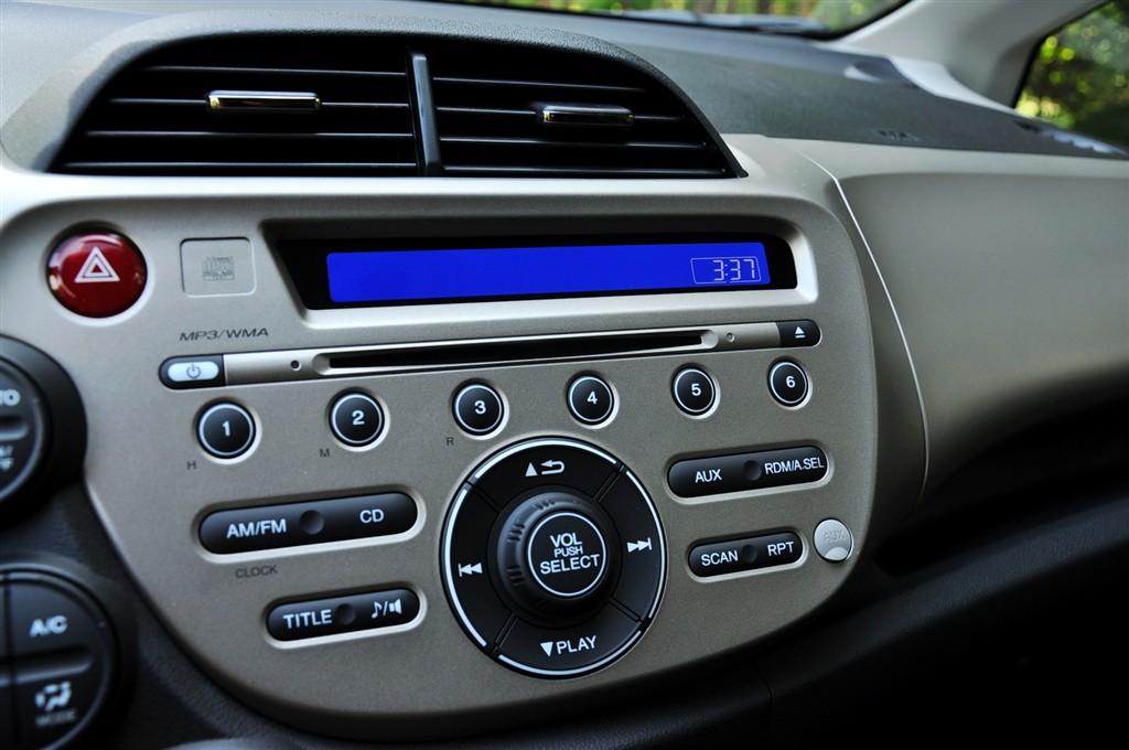 飞度(进口)中控台音响控制键图片